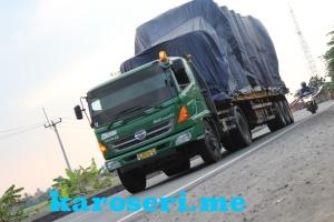 karoseri-trailer-flatbed-20-ft-spot-pantura
